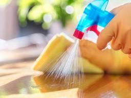 Oferuje usługę sprzątania