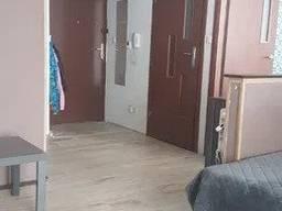 Продажа 2-х комнатной с ремонтом и мебелью в Кракове