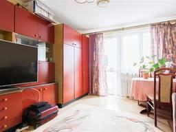 Просторная 2-комнатная квартира с отдельной кухней в зеленом районе