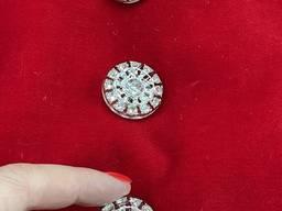 Серебристая пуговица инкрустированная кристаллами и залитая пластиком, на ножке. 25 мм.