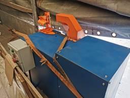 Торцовочный станок с нижним расположением диска