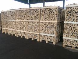 Firewood natural moisture and dry